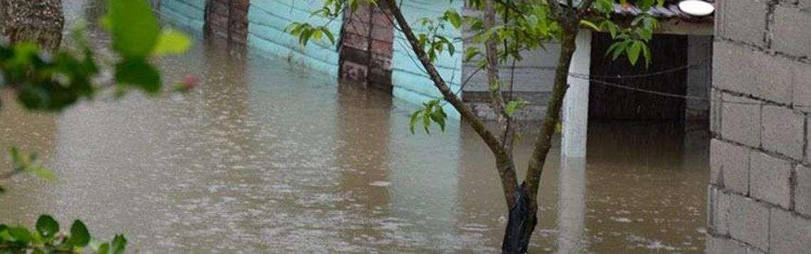 Intensas lluvias en Villa Clara han dejado inundaciones en diferentes localidades de la provincia. Foto: Ramón Barreras.