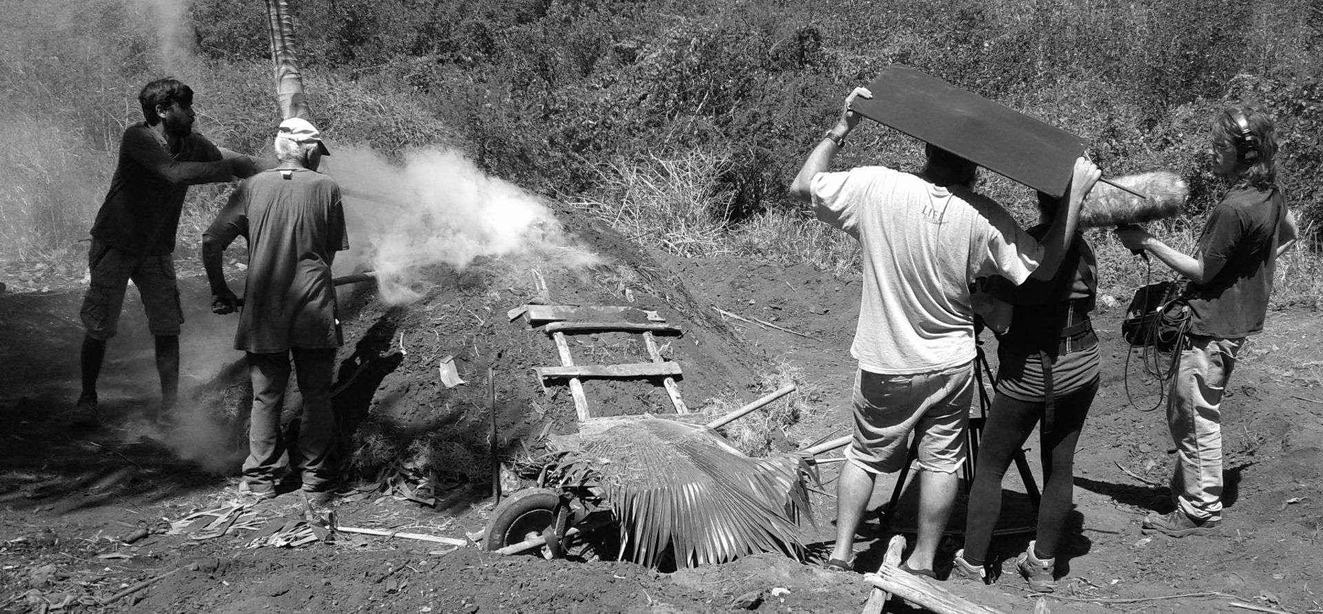 """Durante la filmación de una de las tesis presentadas """"Los viejos heraldos"""", del cubano Luis Alejandro Yero."""
