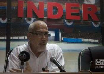 Antonio Becali, presidente del Instituto Cubano de Deportes, Educación Física y Recreación, en una conferencia de prensa sobre la participacion de Cuba en los Juegos Centroamericanos y del Caribe de Barranquilla, Colombia. Foto: Otmaro Rodríguez.