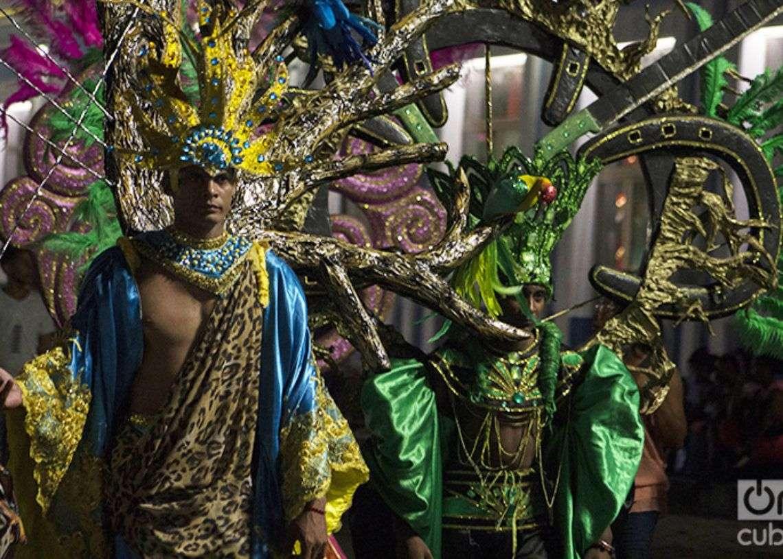 En traje de carnaval. Foto: Frank Lahera Ocallaghan.