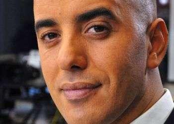 El notorio criminal francés Redoine Faid en 2010, antes de una entrevista con el canal noticioso francés LCI, en Boulogne-Billancourt, Francia. Foto: IBO / Sipa vía AP.