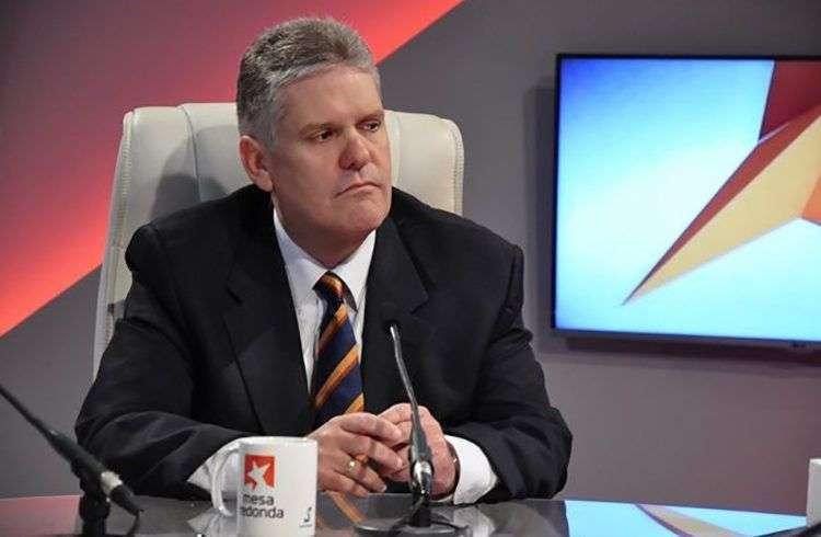 Alejandro Gil, el nuevo ministro de Economía y Planificación de Cuba, en el espacio televisivo Mesa Redonda. Foto: mesaredonda.cubadebate.cu