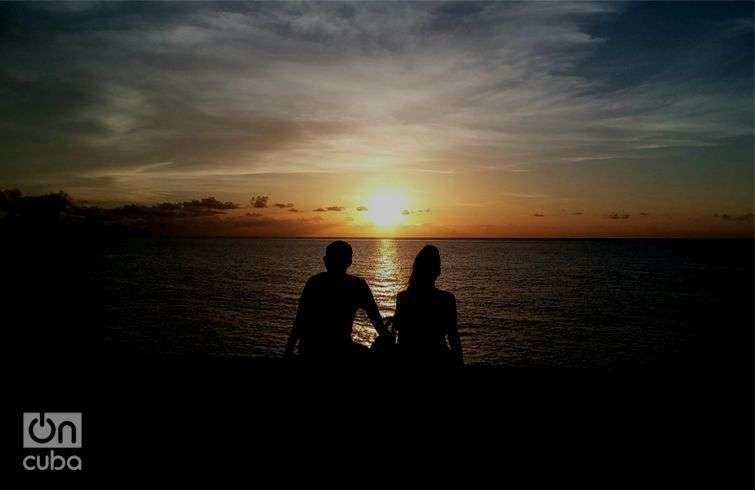 Hora de los enamorados, caída del sol en La Habana. Foto: Otmaro Rodríguez