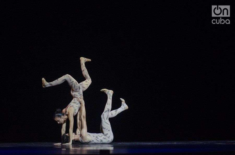 """End of time"", coreografía de Ben Stevenson, y música de Serguei Rachmaninoff. Foto: Enrique Smith Soto."