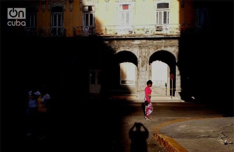 Contrastes de luces y sombras.Foto: Otmaro Rodríguez