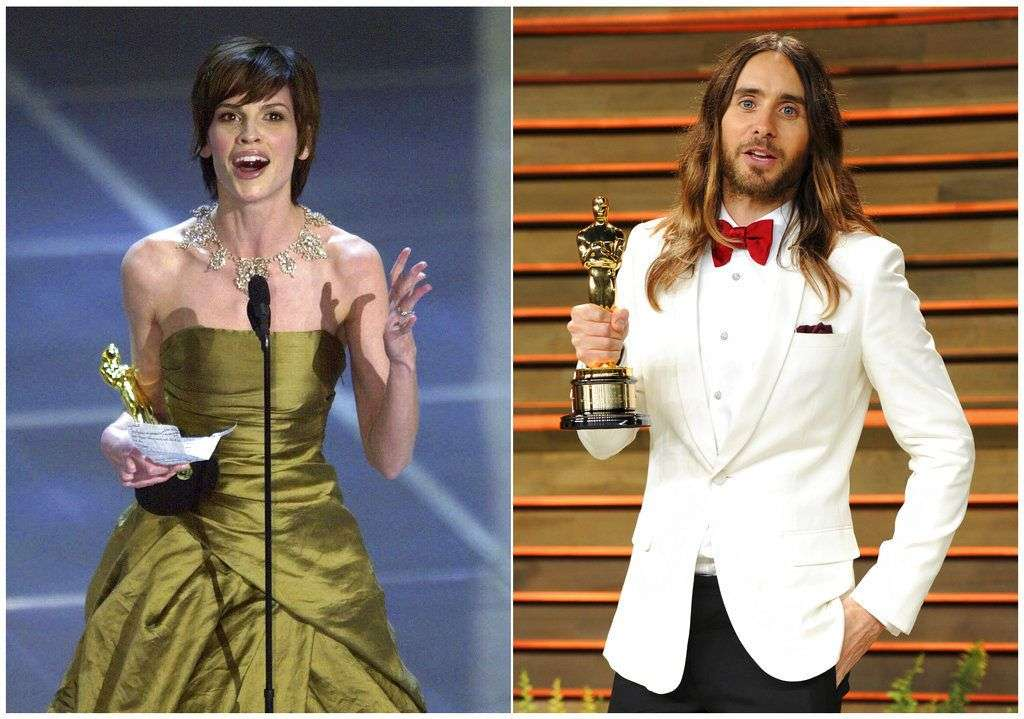 "Hilary Swank, a la izquierda, recibe el Oscar a la mejor actriz por su papel en ""Boys Don't Cry"" en 2000, y Jared Leto posa con su Oscar al mejor actor de reparto por su tranbajo en ""Dallas Buyer Club"" en la fiesta del Oscar de Vanity Fair en 2014 en West Hollywood, California. Swank y Leto interpretaron ambos personajes transgénero. Foto: AP."