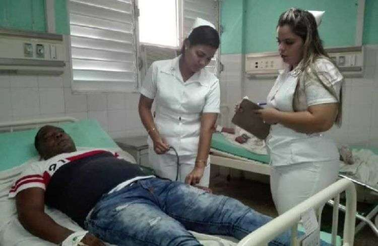 Los adultos lesionados en el accidente de este jueves 9 de agosto de 2018 fueron atendidos en el hospital Camilo Cienfuegos de Sancti Spíritus. Foto: Arelys García / Escambray.