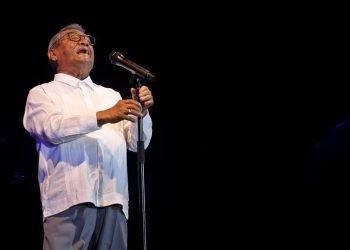 El compositor y productor musical de 82 años durante su presentación en La Habana, en 2018. Foto: Yander Zamora / EFE.