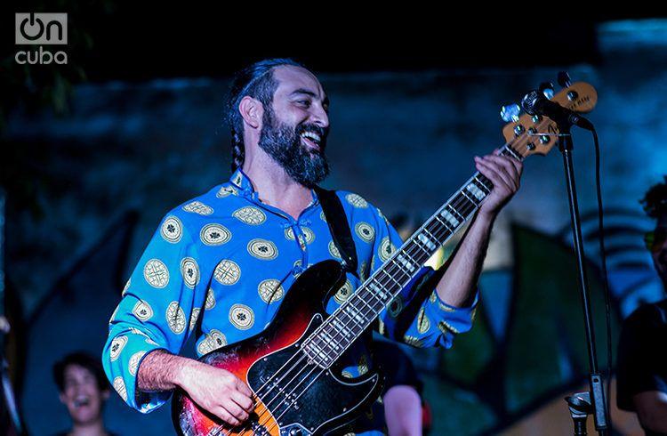 """Alain Pérez en el Festival """"San Isidro, Distrito de Arte"""". Foto: Pablo Dewin Reyes."""