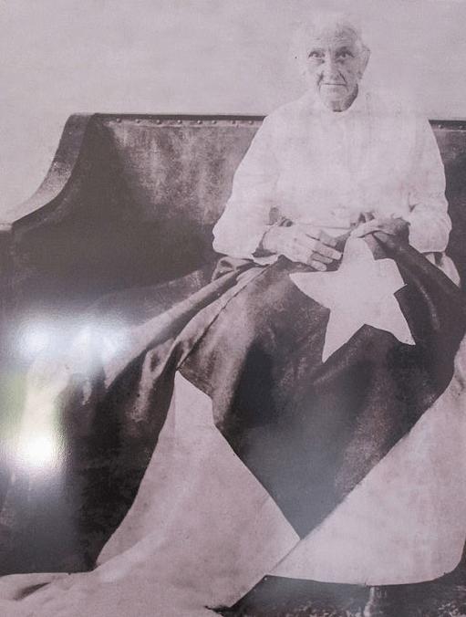 """""""Candelaria Acosta Fontaine (1851-1932), conocida por Cambula, confeccionó la bandera de la libertad."""""""