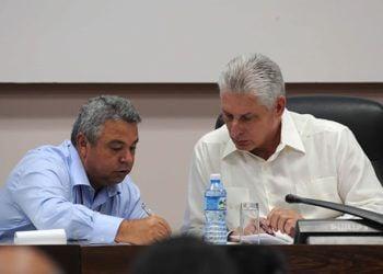 Ulises Guilarte de Nacimiento junto a Miguel Díaz-Canel durante la Conferencia del Sindicato Nacional de Trabajadores de la Cultura. Foto: Omara García/ACN.