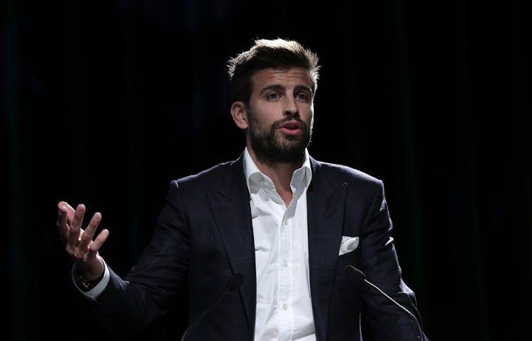 El defensor del Barcelona y fundador del grupo inversor Kosmos, Gerard Piqué, durante la presentación de la ciudad de Madrid como sede de la nueva Copa Davis para las próximas dos ediciones, el miércoles 17 de octubre de 2018. (AP Foto/Manu Fernández)