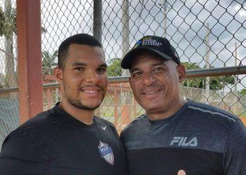 Lionard y Orestes Kindelán durante una sesión de entrenamiento en Miami. Foto: Jorge Ebro