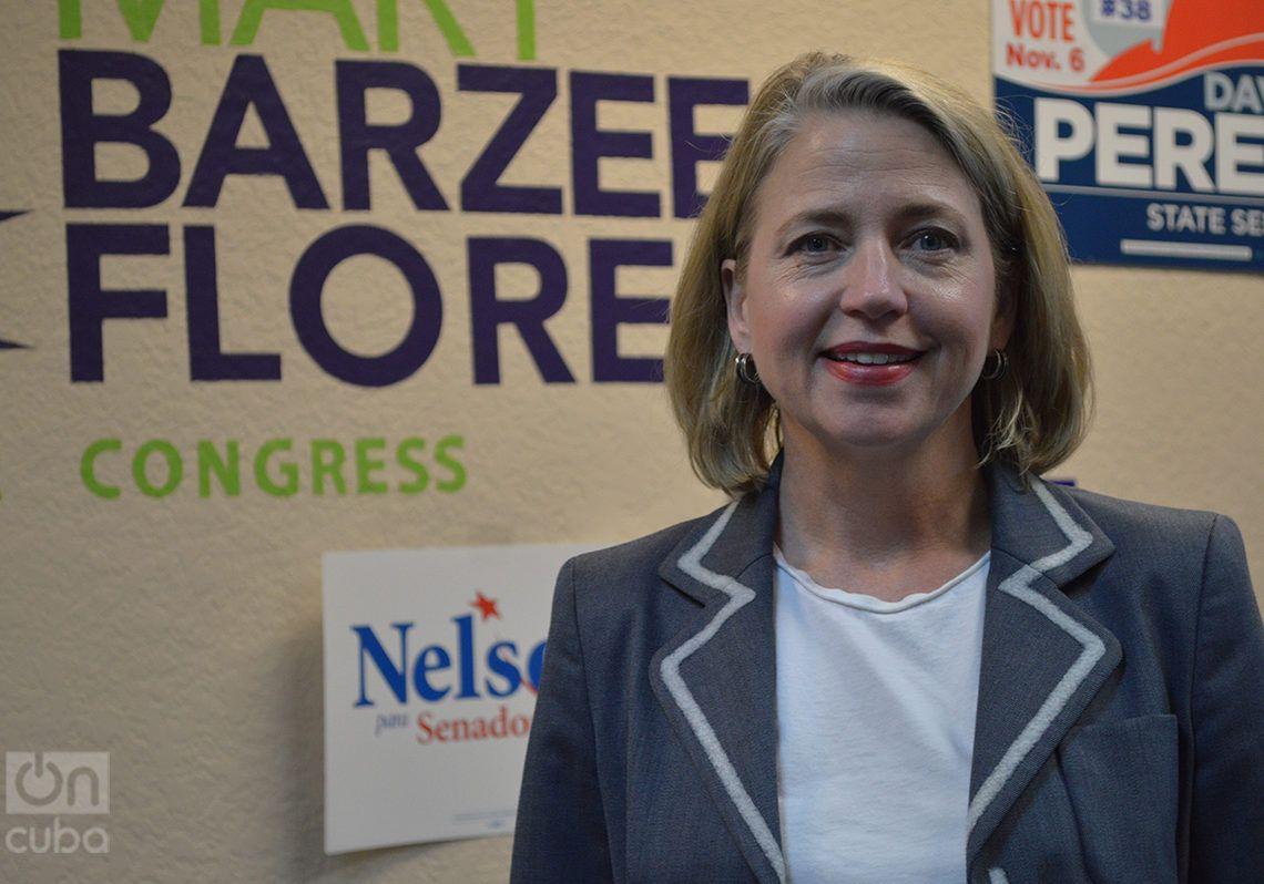 Mary Barzee Flores en su sede principal de la campaña electoral en Hialeah. Foto: Marita Pérez Díaz.