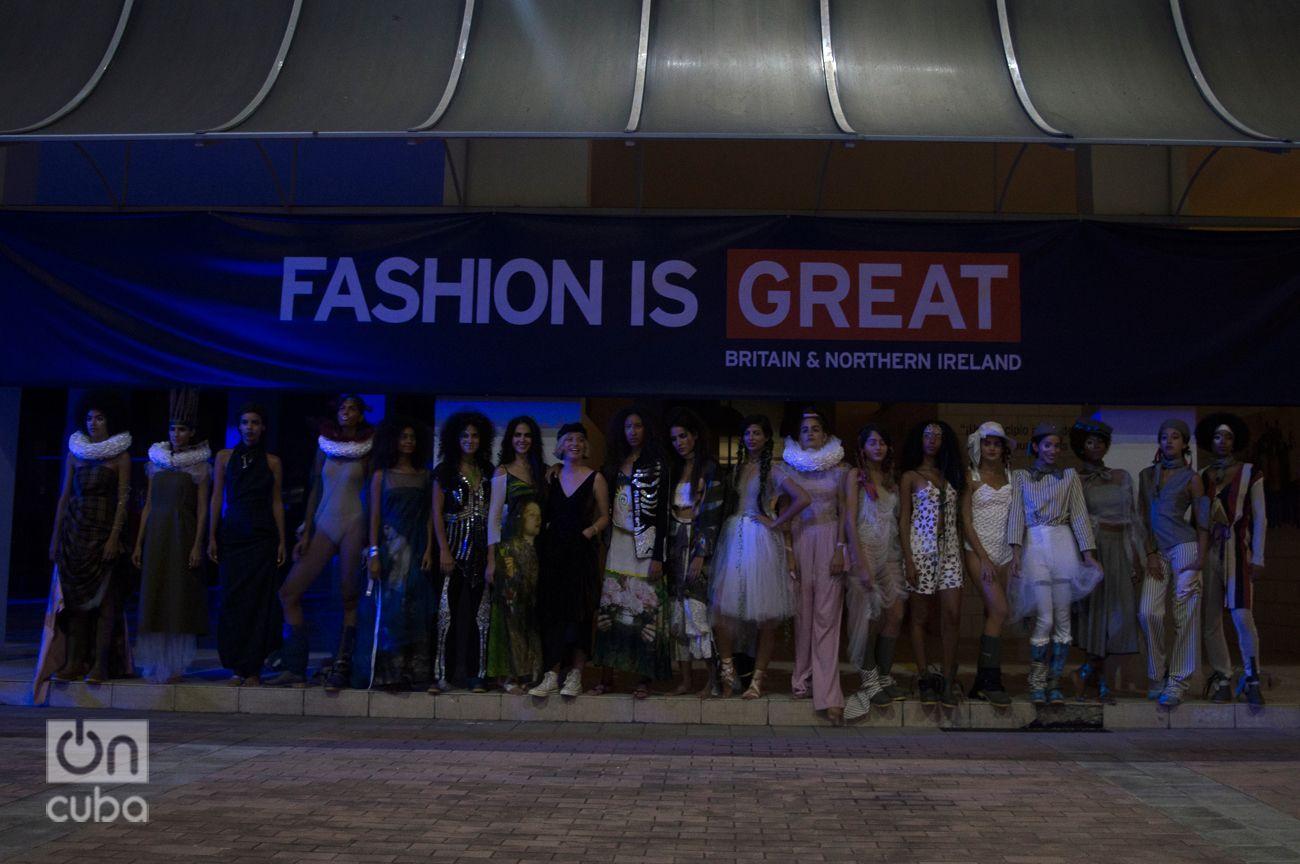 Natalie Wildgoose es una joven música y estrella del diseño británico, que trajo para la ocasión esta colección exhibida en la London Fashion Week. Foto: Otmaro Rodríguez.