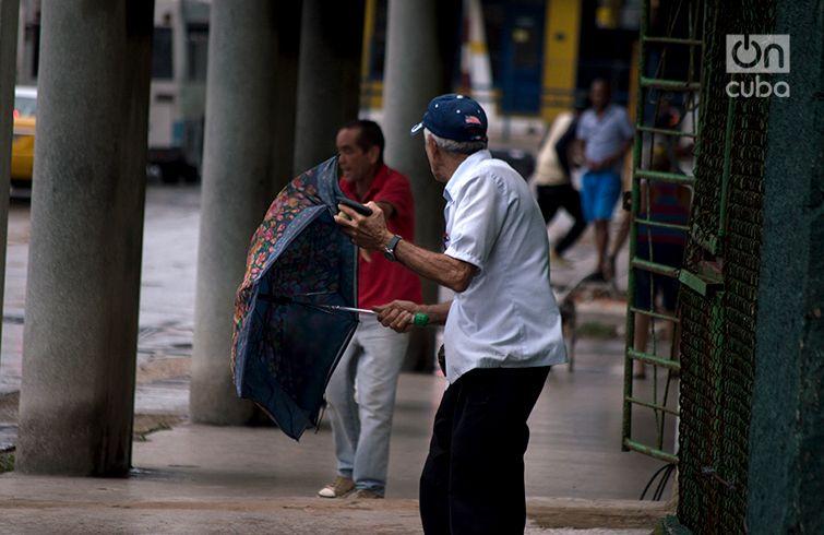 La Habana durante el paso del huracán Michael al oeste de Cuba. Foto: Otmaro Rodríguez.