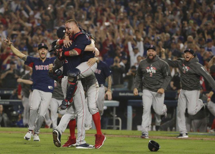 Los Medias Rojas de Boston celebran tras ganar la Serie Mundial ante los Dodgers de Los Ángeles, el domingo 28 de octubre de 2018. Foto: Jae C. Hong / AP.