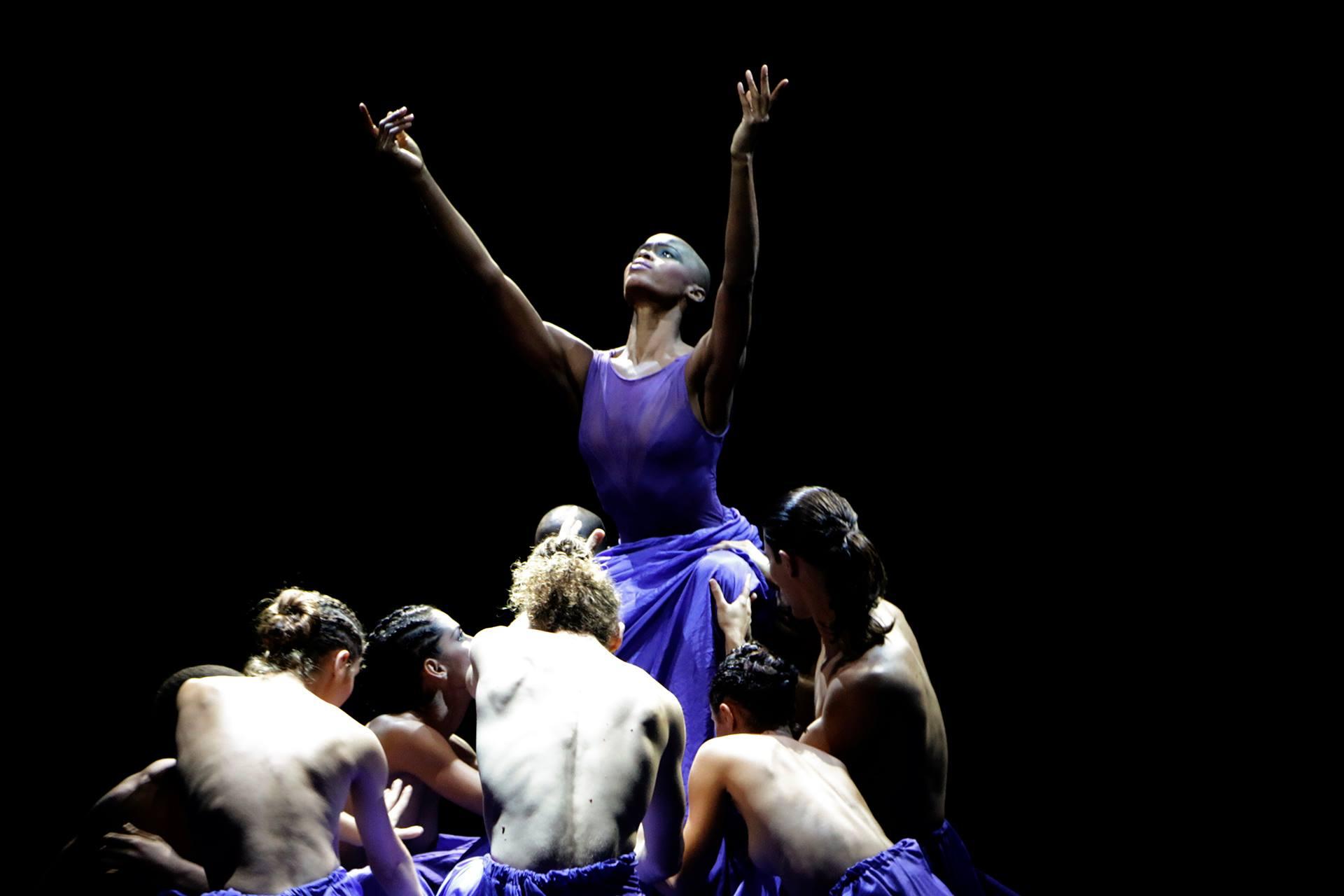"En la imagen la bailarina Zele Crespo en ""Satori"". Foto: Santiel Rodriguez."