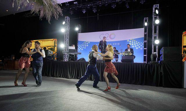 El espectáculo de tango fue brillante pero aturdió a los periodistas enojados por el mal WiFi (Foto oficial de la cumbre)