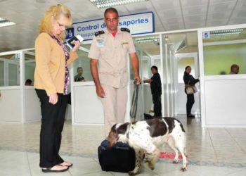 Inspección antidroga de la Aduana General de Cuba. Foto: escambray.cu / Archivo.