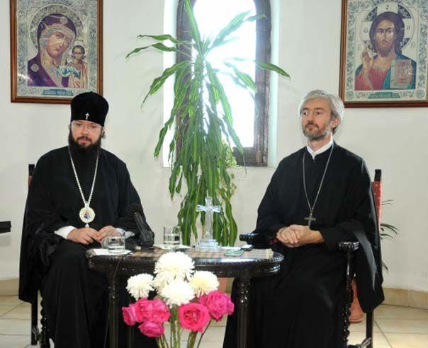 El arzobispo Antoni (izq), jerarca de la Iglesia Ortodoxa Rusa, de visita en La Habana. Foto: Prensa Latina.