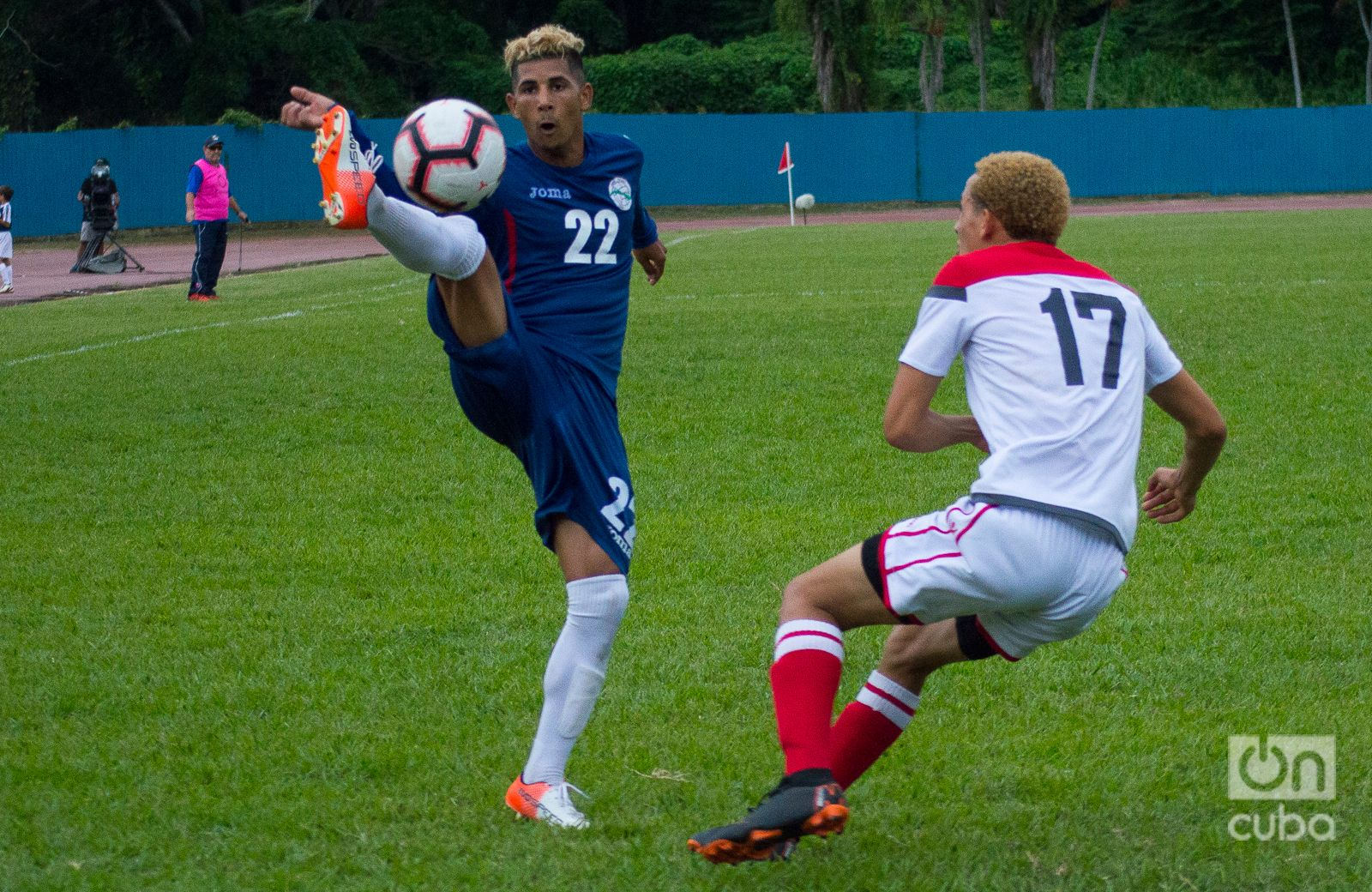 Los cubanos ansían regresar por todo lo alto a la Copa Oro, pero un buen resultado dependerá mucho de la convocatoria de los jugadores establecidos en ligas profesionales. Foto: Otmaro Rodríguez.