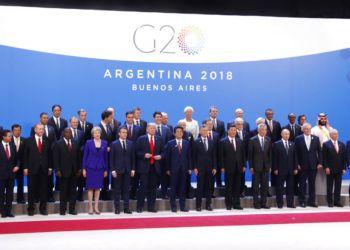 Líderes mundiales participan en la foto de familia de la cumbre del G20 en Buenos Aires, el viermes 30 de noviembre de 2018. (AP Foto/Pablo Martinez Monsivais)