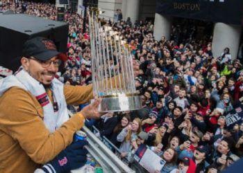 Las estrellas de Boston festejaron con sus fanáticos el título. Foto: Stan Grossfeld/The Boston Globe
