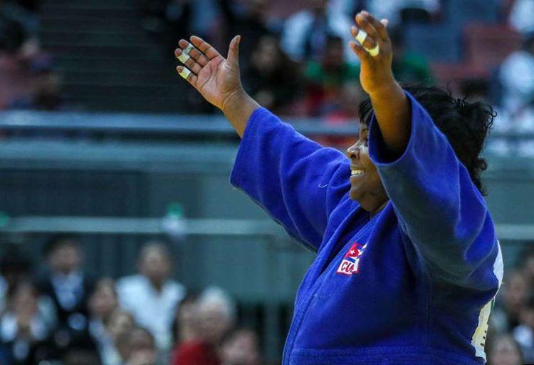 La judoca cubana Idalis Ortiz celebra su triunfo en el Grand Slam de Osaka, Japón, en noviembre de 2018. Foto: ijf.org / Archivo.