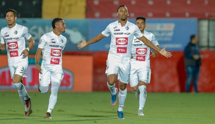 Marcel Hernández ha sido la sensación del certamen futbolístico en Costa Rica. Foto: José Cordero (La Nación)