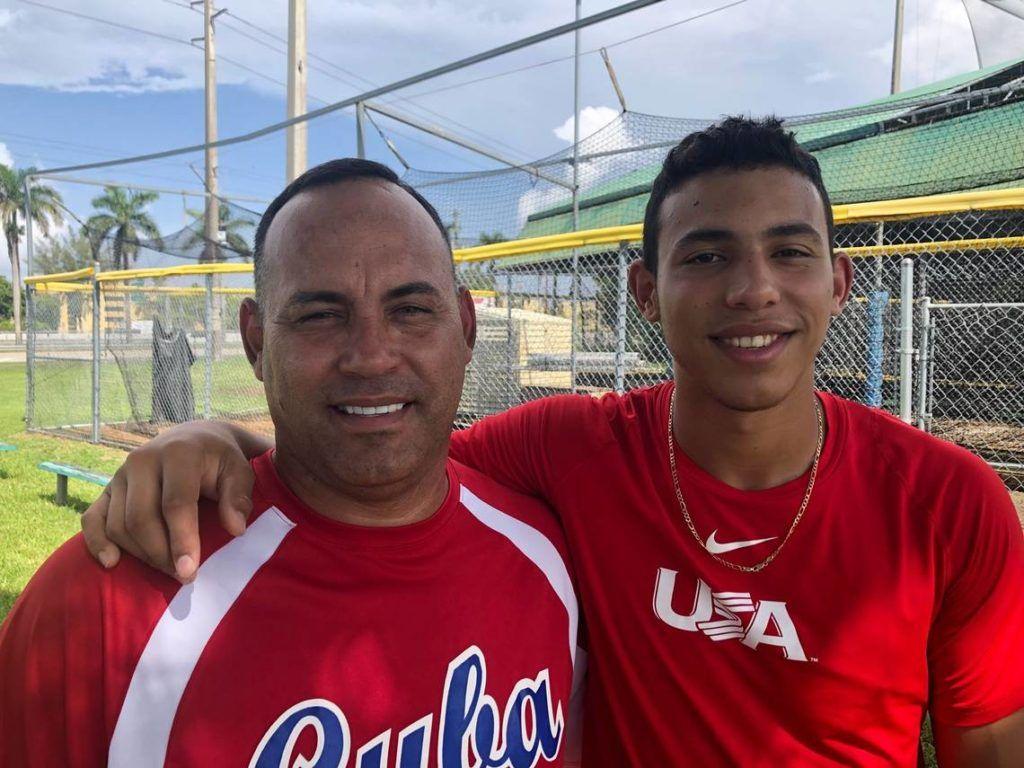Yohandy Morales junto a su padre Andy en Miami. Foto: Tomada de El Nuevo Herald