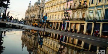 La Habana amanece en maratón. Foto: Otmaro Rodríguez