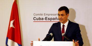 El presidente de gobierno español Pedro Sánchez pronuncia un discurso durante la inauguración del Foro Empresarial/Comercial España-Cuba, realizado durante su visita a La Habana en noviembre de 2018. Foto: Ernesto Mastrascusa / EFE / Archivo.