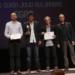 Amílcar Salatti (segundo de izquierda a derecha) recibe su premio de guión de la SGAE.
