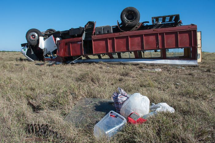 Accidente masivo en la carretera a Santa Cruz del Sur. Foto: Leandro Pérez Pérez / Adelante.