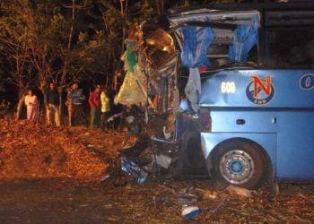 Ómnibus accidentado en Cuba. Foto: Oscar Salabarría/ Escambray / Archivo.