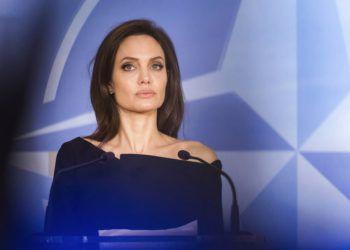 Imagen de archivo del miércoles 31 de enero de 2018 de la enviada espacial de la agencia de refugiados de la ONU, Angelina Jolie, durante un discurso a la prensa en la sede de la OTAN en Bruselas. Foto: Geert Vanden Wijngaert / AP / Archivo.