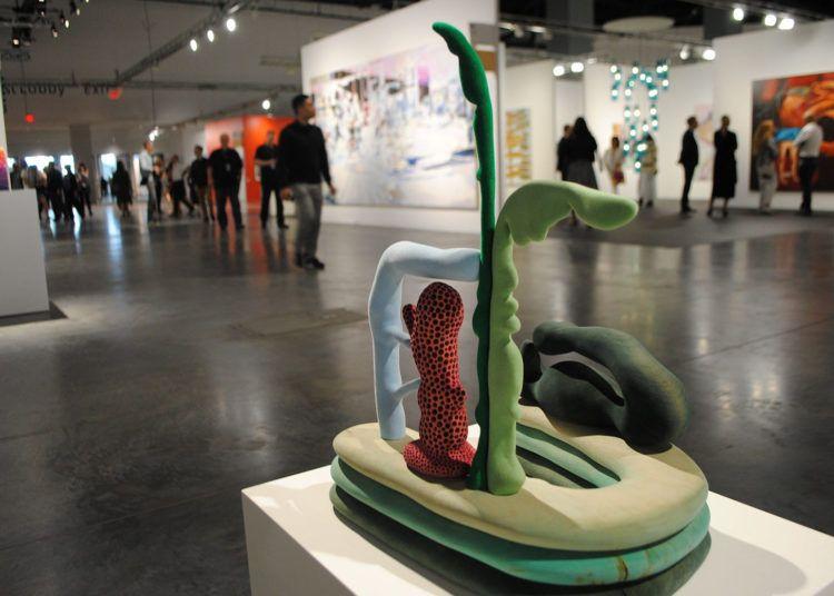 Exposición de la Galería Casey Kaplan de Nueva York durante la presentación de la feria Art Basel en el Centro de Convenciones de Miami Beach, Florida, el 5 de diciembre de 2018. Foto: Antoni Belchi / EFE.