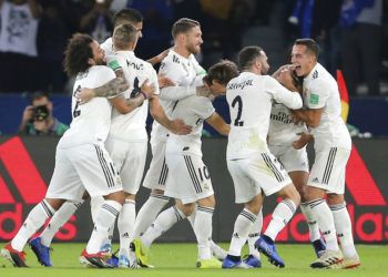 Los jugadores del Real Madrid celebran durante la final del Mundial de Clubes contra el Al Ain en Abu Dabi, Emiratos Árabes Unidos, el sábado 22 de diciembre de 2018. Foto: Kamran Jebreili / AP.