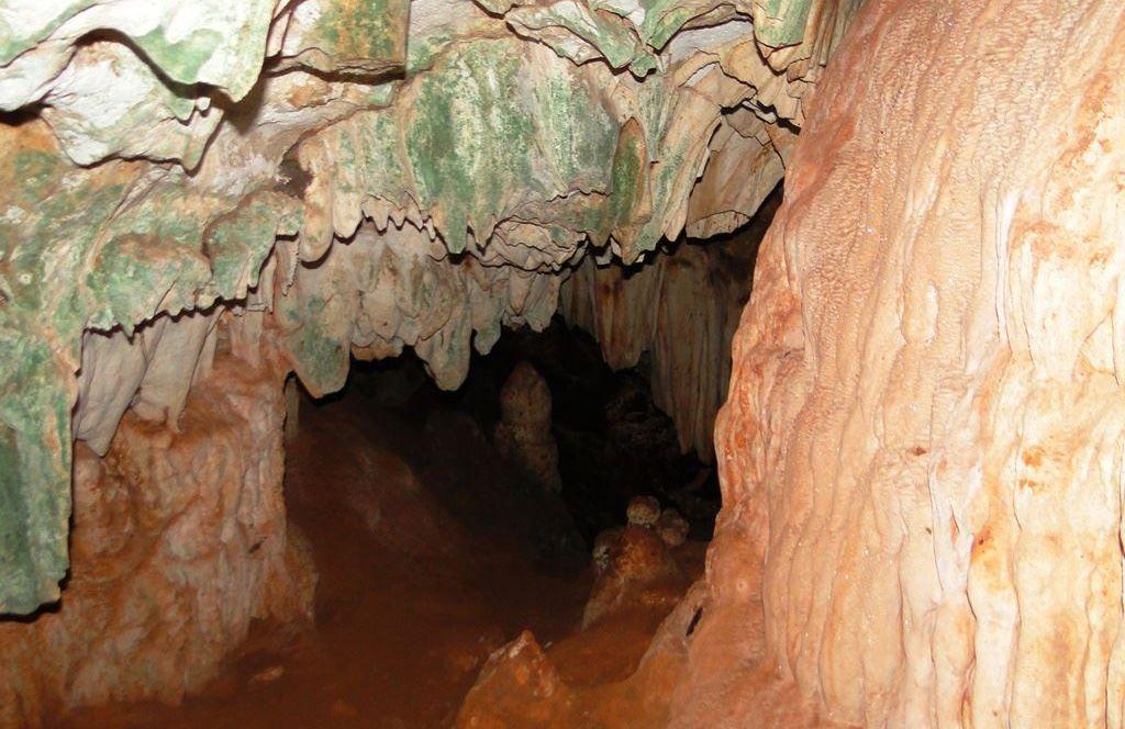 Cueva de la zona de Sierra de Cubitas, en Camagüey. Foto: viajandoxcuba.com