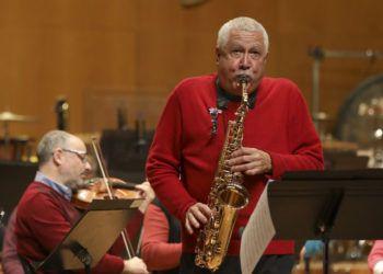 El músico cubano Paquito D'Rivera (derecha). Foto: lavozdegalicia.es