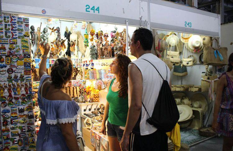 Feria de Artesanía en La Habana. Foto: commons.wikimedia.org