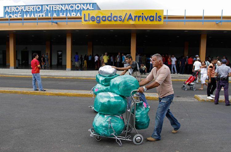 """Cuba recibió 493,169 visitas de cubanoamericanos desde enero y hasta el 17 de diciembre de 2018, una """"cifra récord"""" según dijo en Twitter el canciller de la Isla."""