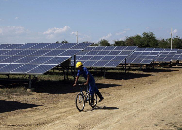 Parque Solar Fotovoltaico Santa Teresa, en Guantánamo. Foto: Jorge Luis Baños / IPS.