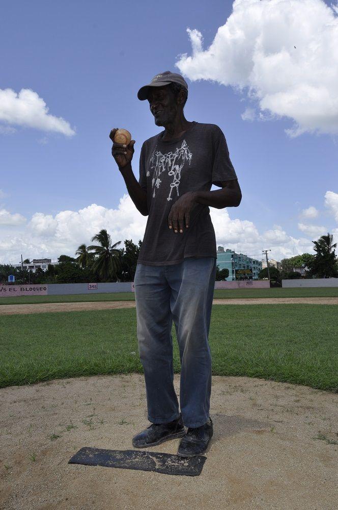 """""""Hoy me atrevo, aunque no tenga visión, a que si yo tengo 10 o 15 pitchers, si yo los suelto a los 20 días, no hay quien me diga que mi metodología no es correcta."""" Foto: Oreidis Pimentel"""