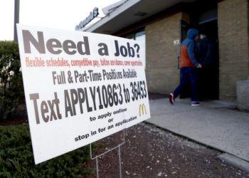Un McDonald's donde se solicita empleados en Atlantic Highlands, Nueva Jersey el 3 de enero del 2019. Foto: Julio Cortez / AP / Archivo.