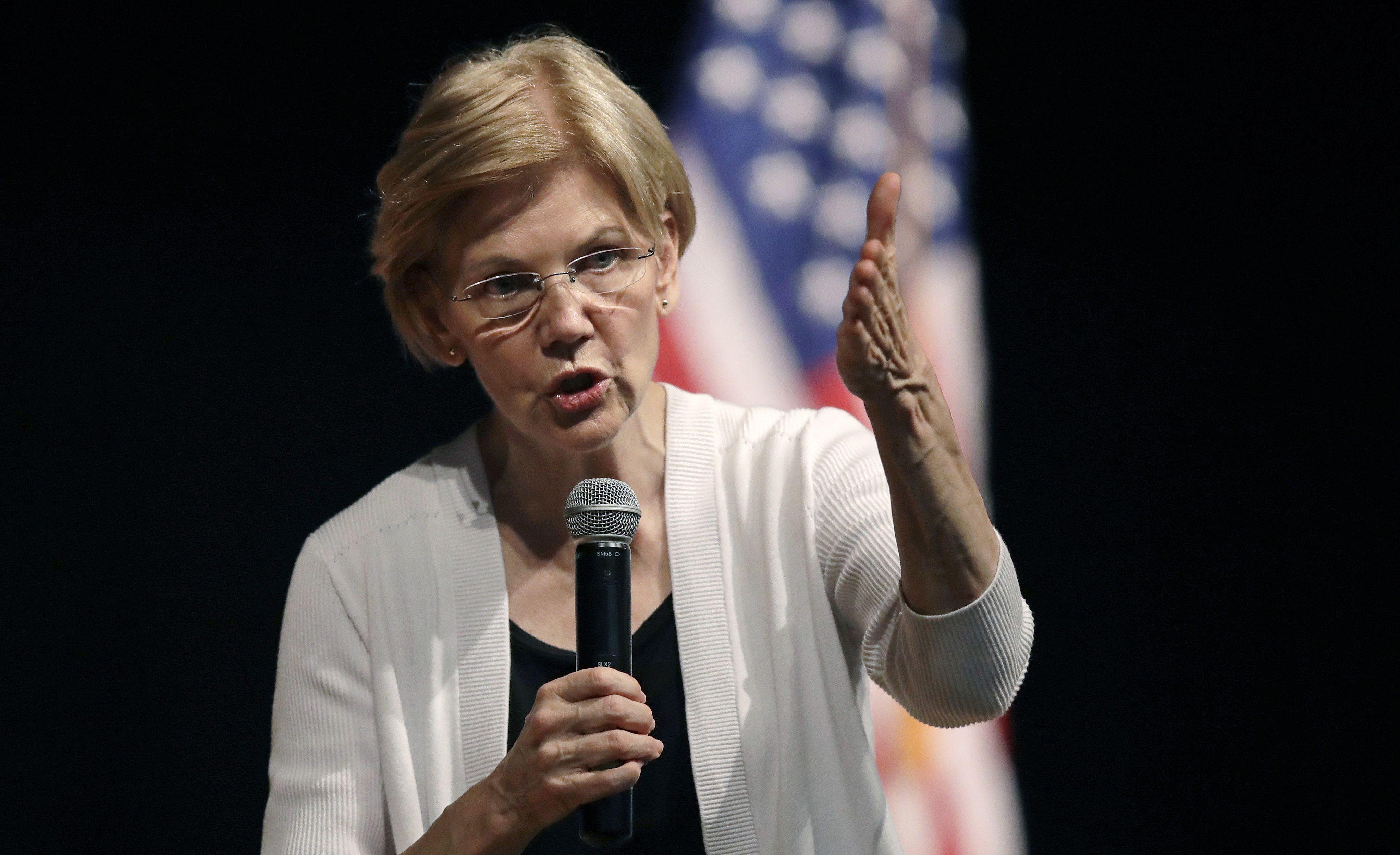 Elizabeth Warren durante un mitin en Massachusetts, agosto de 2018. Foto: Charles Krupa/AP.
