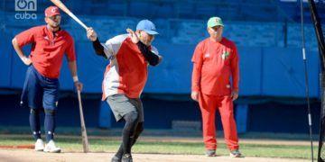 Imagen de archivo de un entrenamiento de una preselección cubana de béisbol. Foto: Gabriel García / Archivo.