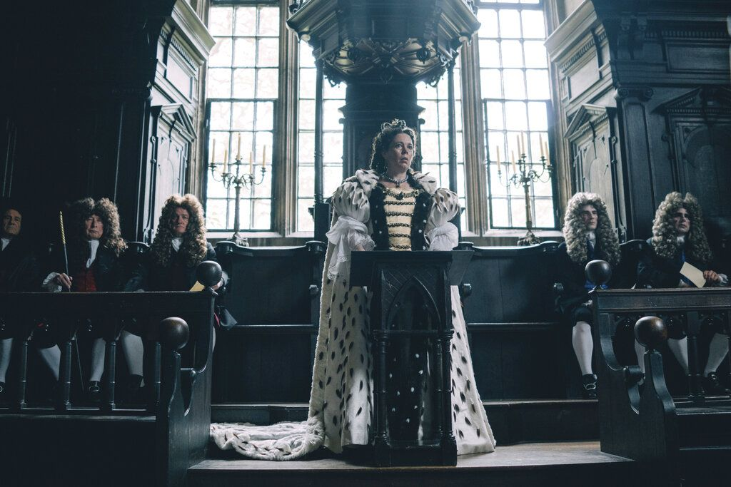 "En esta imagen difundida por Fox Searchlight Films, Olivia Colman en una escena de ""The Favourite"". Foto: Atsushi Nishijima / Fox Searchlight Films vía AP."