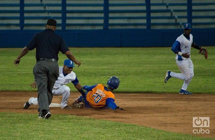 Agresividad y velocidad en los senderos caracterizará el juego de los Gallos. Foto: Otmaro Rodríguez